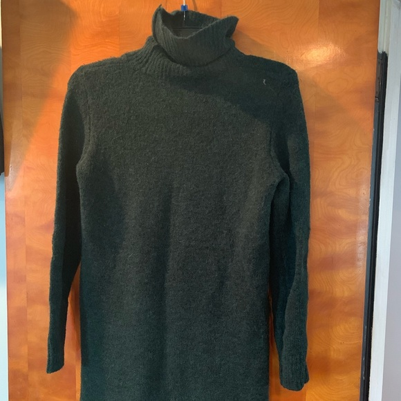 Forever 21 Sweaters - Dark green Turtleneck sweater